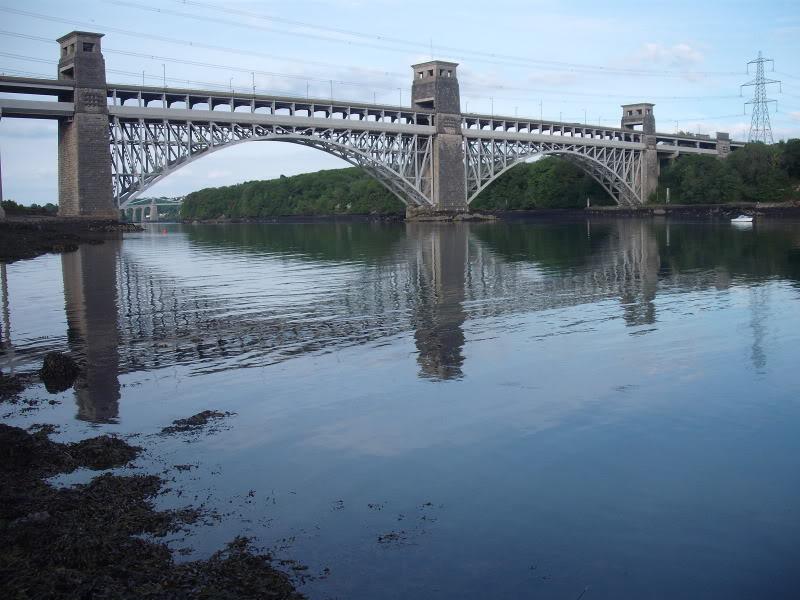 Grave Britannia Bridge DSCF0784