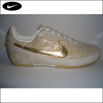 Želim ovo!! (Odjeća i obuća) - Page 10 Nike_gold_wmns_logo