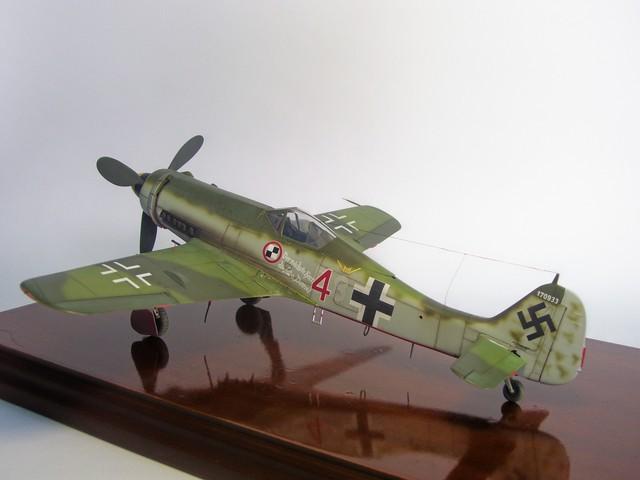 Focke Wulf 190 D-11, Revell 1/48 (Molde de Trimaster). FW190D-11Terminado%204_zpswmev8fbs