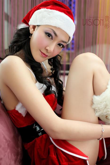Joyeuses fêtes !! Sexy-Santa-Girl-03