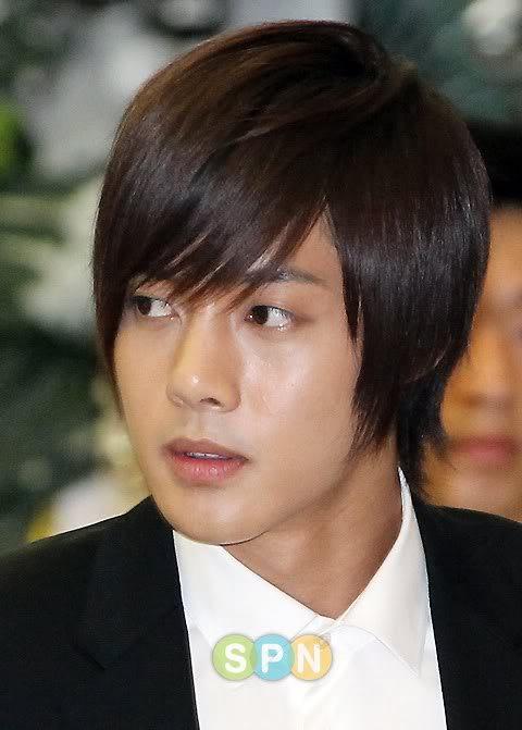 Kim Hyun Joong en el funeral de Andre Kim15 HJL_news003