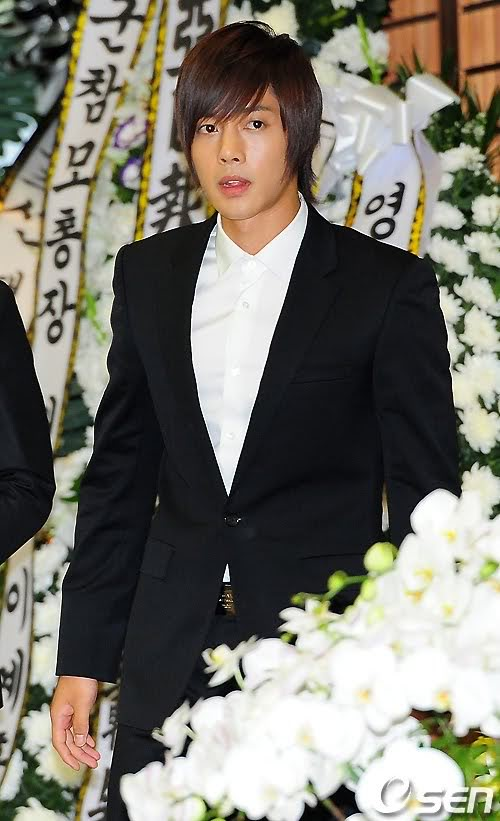 Kim Hyun Joong en el funeral de Andre Kim15 HJL_news013