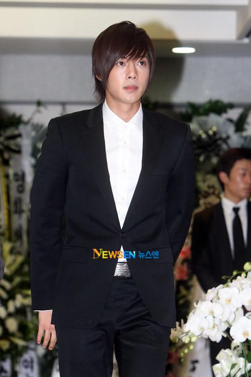 Kim Hyun Joong en el funeral de Andre Kim15 HJL_news016