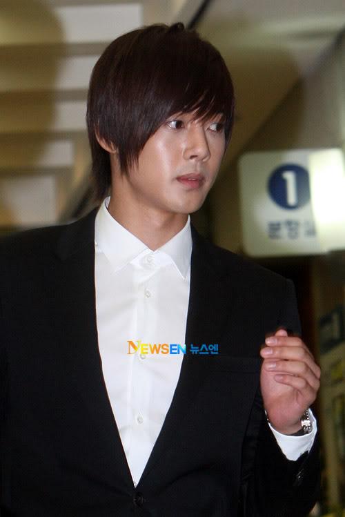 Kim Hyun Joong en el funeral de Andre Kim15 HJL_news019