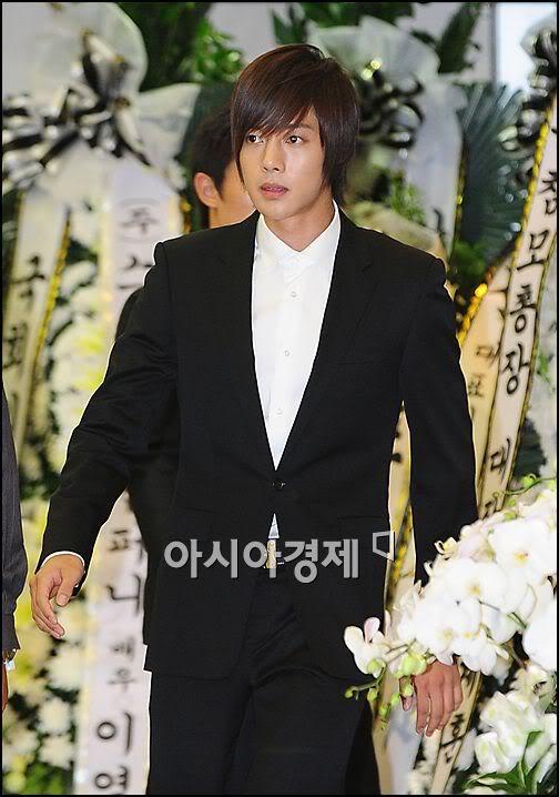 Kim Hyun Joong en el funeral de Andre Kim15 HJL_news020