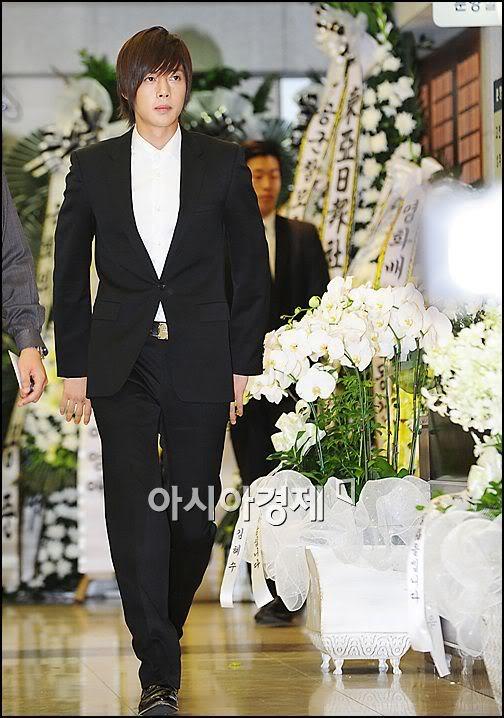 Kim Hyun Joong en el funeral de Andre Kim15 HJL_news021
