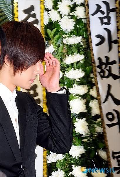 Kim Hyun Joong en el funeral de Andre Kim15 HJL_news024