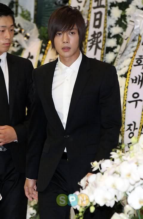 Kim Hyun Joong en el funeral de Andre Kim15 HJL_news025