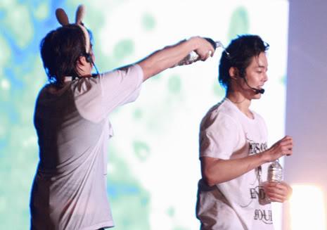 [TOURNÉE] ♥ SS501 1st ASIA TOUR ♥ - Page 18 DHJ_concert020