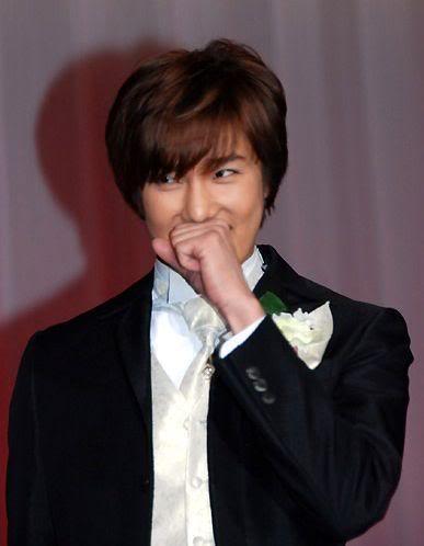 """Park Jung Min - Fotos y Fancam del Japon """"Pretty Bride 2010 Competition"""" 037694838f20d533bc0c79f"""