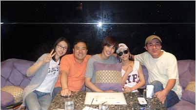 """SS501 - Park jung Min @ fotos recientes, con poco personal y amigos ,nuevo restaurante """"이야기"""" Gran apertura 54818493201006252256033812980021-3"""