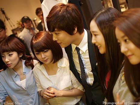 Park Jung Min, Kim Hyung Joon y Rainbow - Royal Ave Fiesta de apertura JM_HJB_partyroyal003