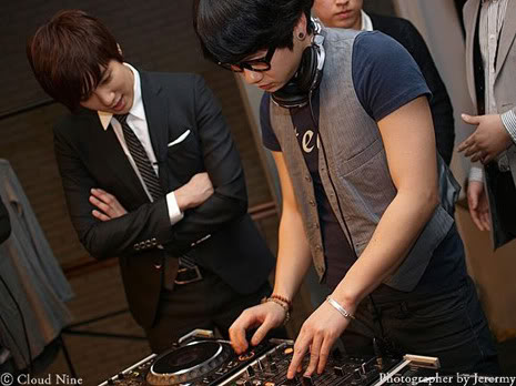 Park Jung Min, Kim Hyung Joon y Rainbow - Royal Ave Fiesta de apertura JM_HJB_partyroyal006