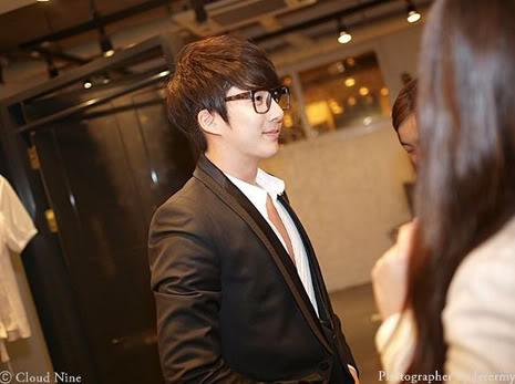 Park Jung Min, Kim Hyung Joon y Rainbow - Royal Ave Fiesta de apertura JM_HJB_partyroyal007