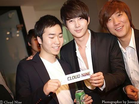 Park Jung Min, Kim Hyung Joon y Rainbow - Royal Ave Fiesta de apertura JM_HJB_partyroyal014
