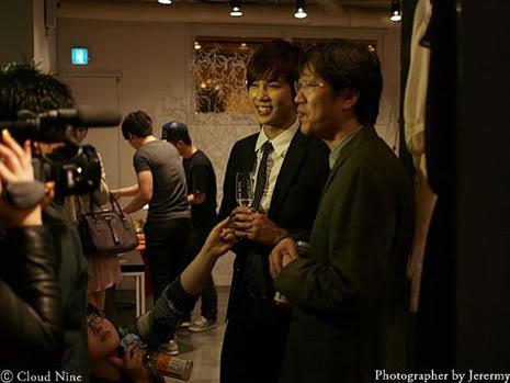Park Jung Min, Kim Hyung Joon y Rainbow - Royal Ave Fiesta de apertura JM_HJB_partyroyal016