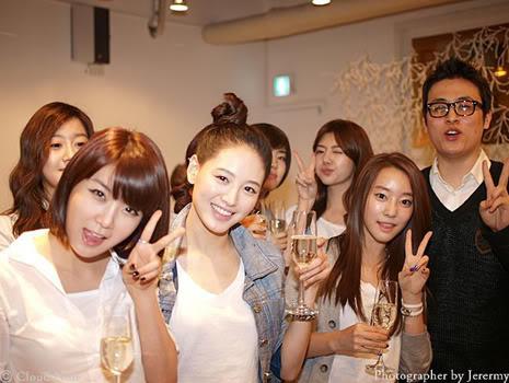 Park Jung Min, Kim Hyung Joon y Rainbow - Royal Ave Fiesta de apertura JM_HJB_partyroyal020