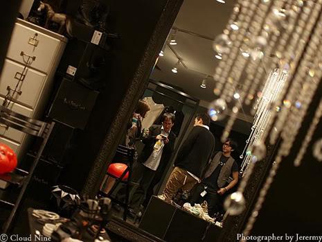 Park Jung Min, Kim Hyung Joon y Rainbow - Royal Ave Fiesta de apertura JM_HJB_partyroyal021