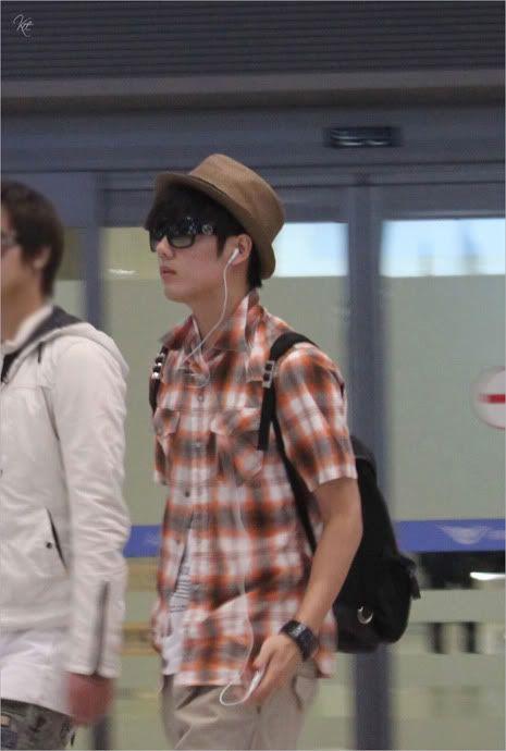 Young Saeng y Kyu Jong - Aeropuerto de Gimpo volviendo de Japon SK_incheon004