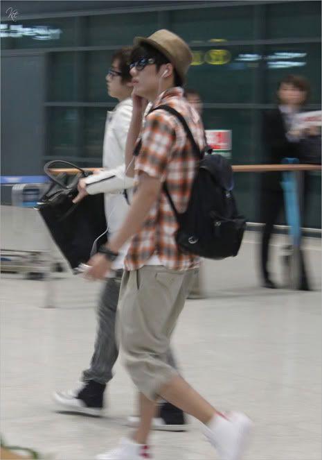 Young Saeng y Kyu Jong - Aeropuerto de Gimpo volviendo de Japon SK_incheon005