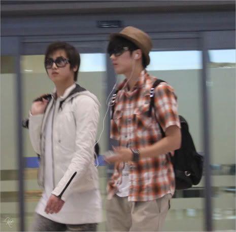 Young Saeng y Kyu Jong - Aeropuerto de Gimpo volviendo de Japon SK_incheon007