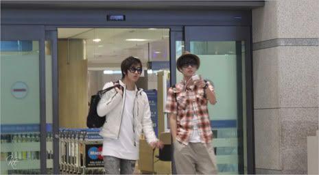 Young Saeng y Kyu Jong - Aeropuerto de Gimpo volviendo de Japon SK_incheon010