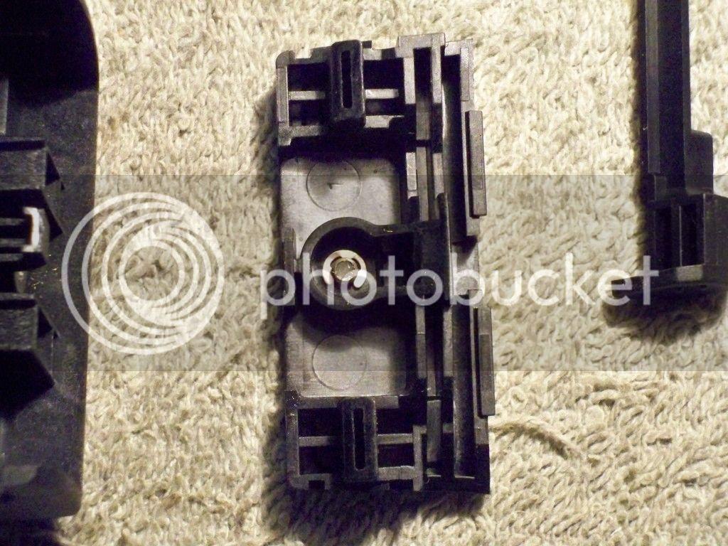 Montana 600 Amps Rugged Mount Thumb Screw Mod 100_0551