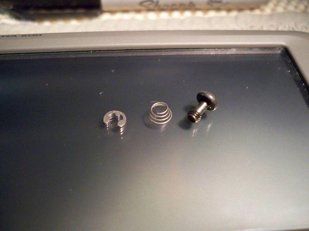 Montana 600 Amps Rugged Mount Thumb Screw Mod 100_0553