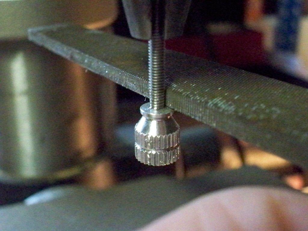 Montana 600 Amps Rugged Mount Thumb Screw Mod 100_0564