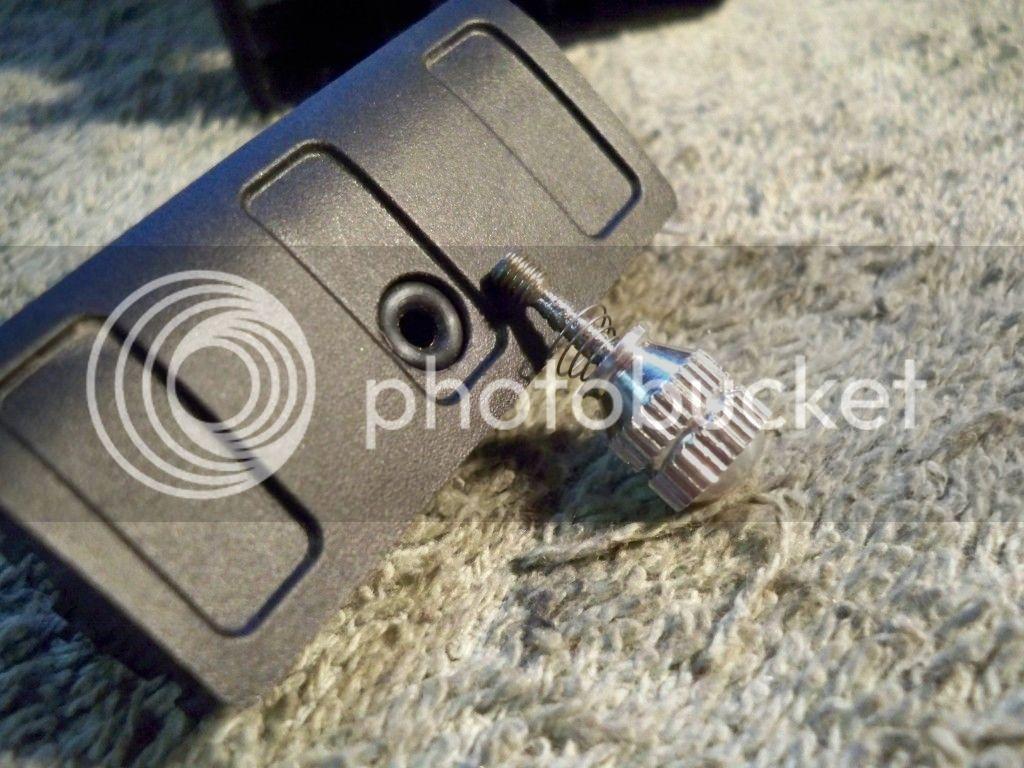 Montana 600 Amps Rugged Mount Thumb Screw Mod 100_0572