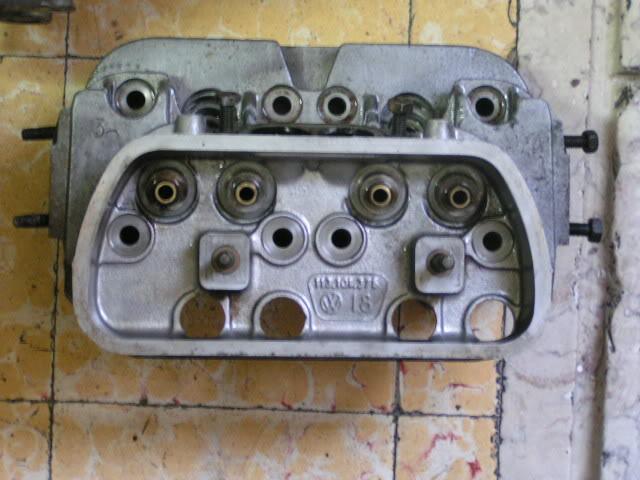 """Volkswagen 1302 de 72 """" Azulinho"""" VW640"""