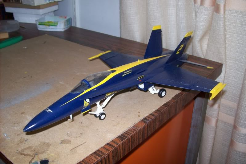 F-18 Blue Angels, 1/48 Revell, China  100_1438