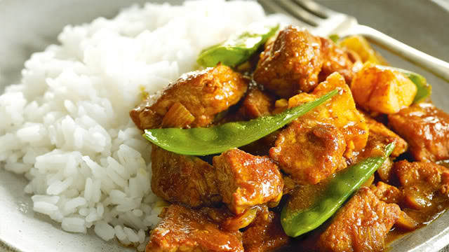 Pork Curry with Pineapple and Snow Peas Pork_curry-640x360