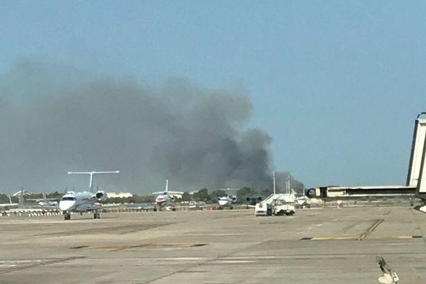 Ardió Paris - Página 13 Huge-fire-at-Barcelona-Airport