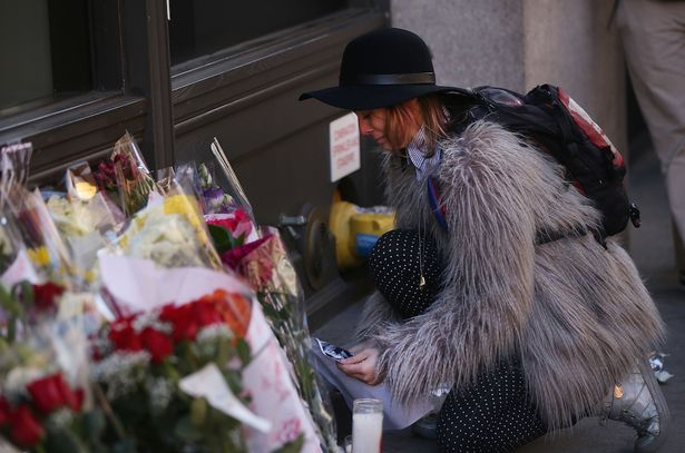 David Bowie has been secretly cremated without a funeral or any family and friends present  David-Bowie-memorial