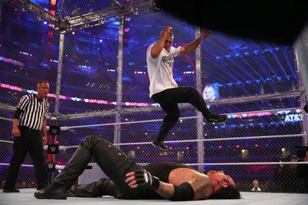HIAC : Quel est votre moment préféré ? Wrestlemania-32-Undertaker-_-Shane-McMahon_0382JPG
