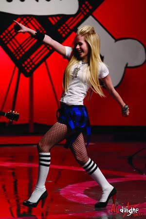 حصريـــــا  ولأول مره فى عالم النجم أحمد فتحى اكبر مكتبه صور للساحره Avril Lavigne Girlfriendvideoset2-1