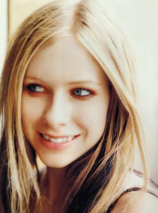 حصريـــــا  ولأول مره فى عالم النجم أحمد فتحى اكبر مكتبه صور للساحره Avril Lavigne Inrock01