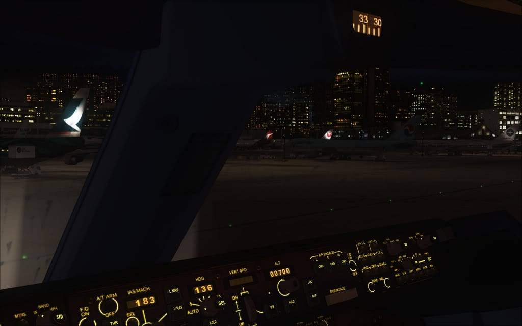 [FS9] Aproximação noturna no Kai Tak  Cris2011_045