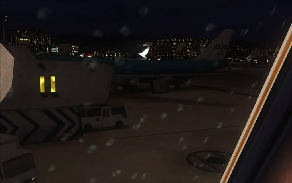 [FS9] Aproximação noturna no Kai Tak  Cris2011_048