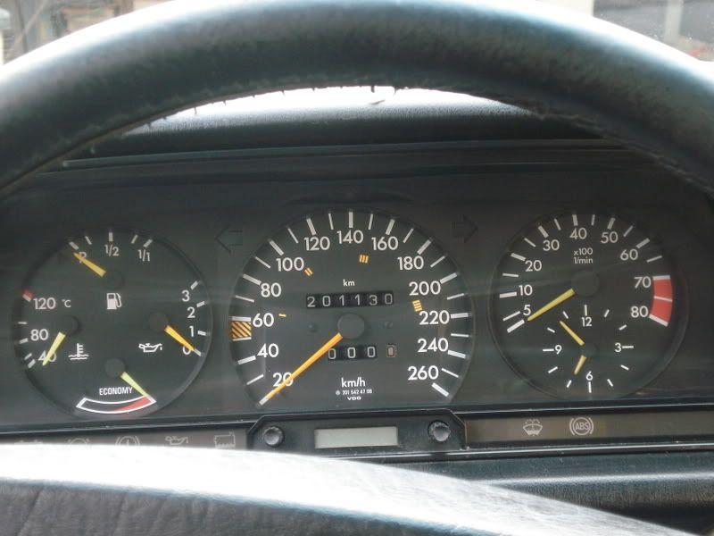 Nouvelle venue, ca devait bien arriver un jour... une 2.3 16 Mercedes_018