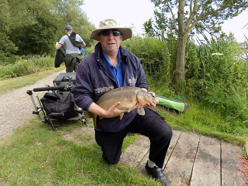 4th bye , barston main lake  27/6/15 Barst80_zpsm0qr6ovr