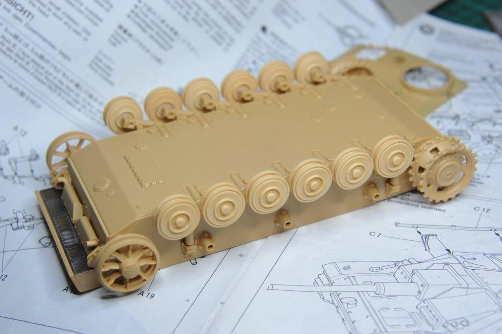 *Terminé!* StuG III Ausf G avec roues métalliques (base Tamiya 1/35). BER_8812
