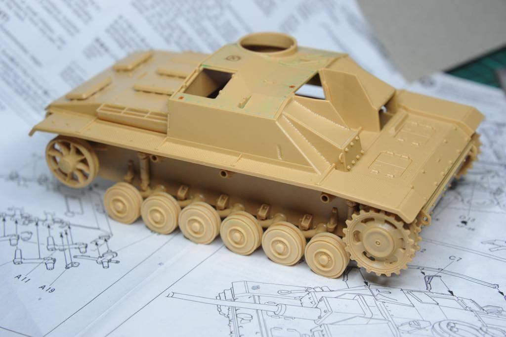 *Terminé!* StuG III Ausf G avec roues métalliques (base Tamiya 1/35). BER_8819