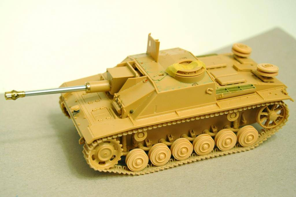 *Terminé!* StuG III Ausf G avec roues métalliques (base Tamiya 1/35). BER_8847