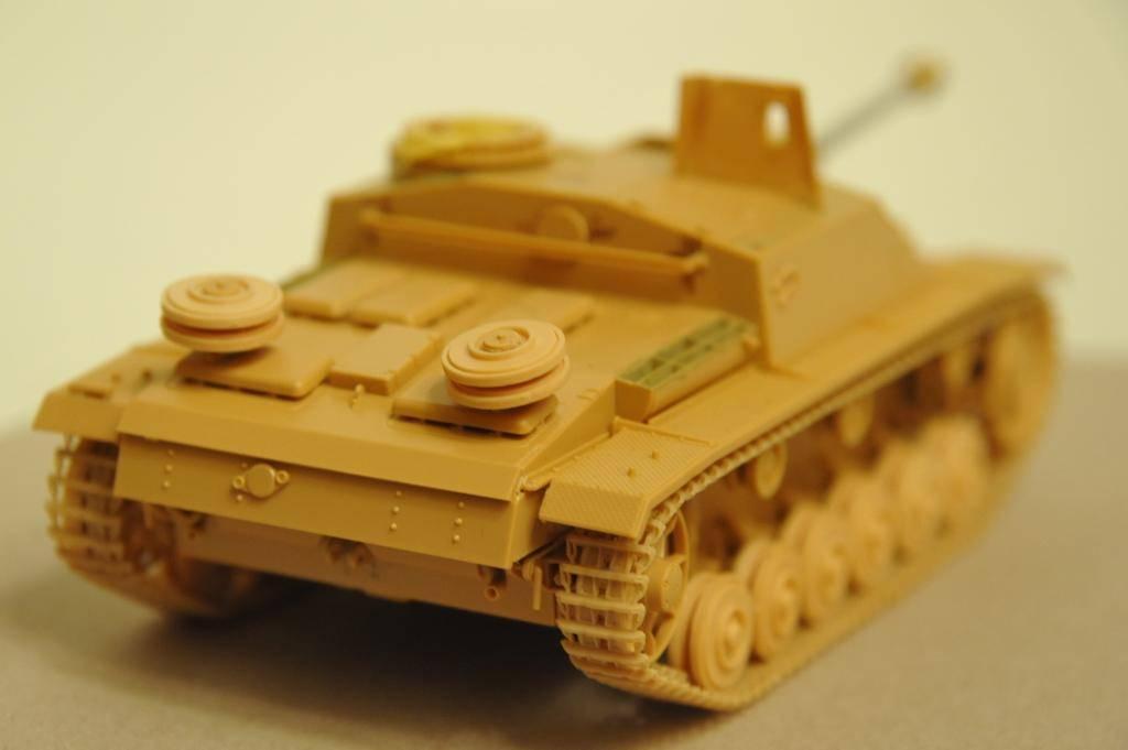 *Terminé!* StuG III Ausf G avec roues métalliques (base Tamiya 1/35). BER_8850