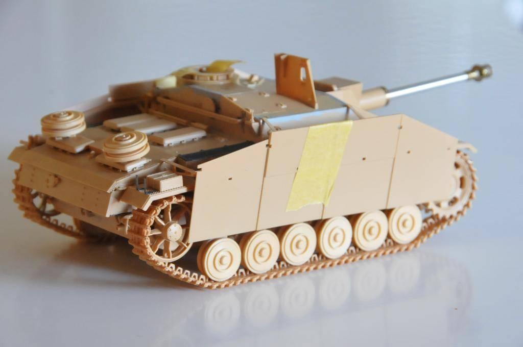 *Terminé!* StuG III Ausf G avec roues métalliques (base Tamiya 1/35). WAS_5948