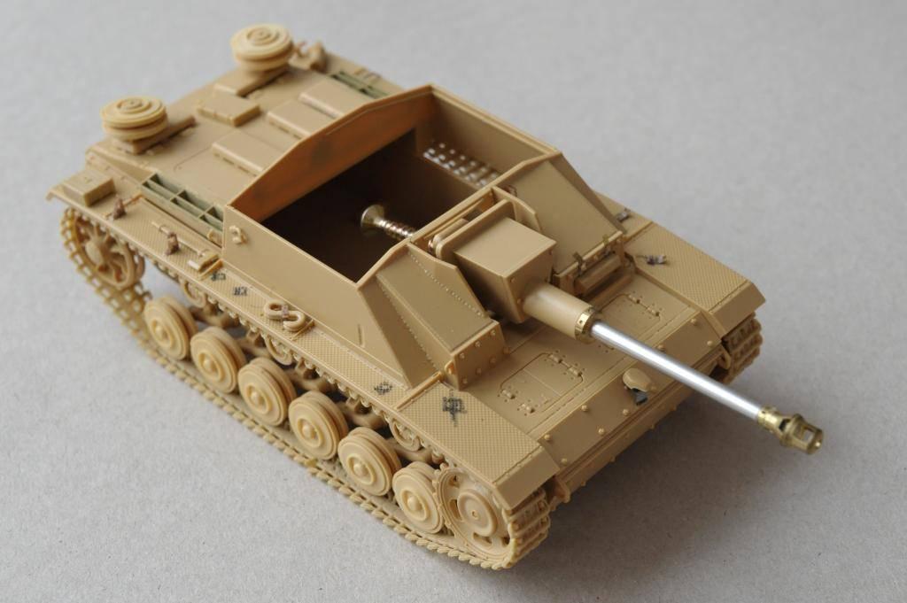 *Terminé!* StuG III Ausf G avec roues métalliques (base Tamiya 1/35). _JPG3388