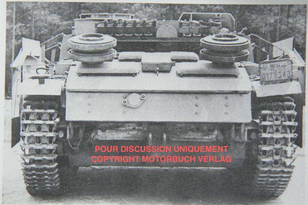*Terminé!* StuG III Ausf G avec roues métalliques (base Tamiya 1/35). Stugsw2