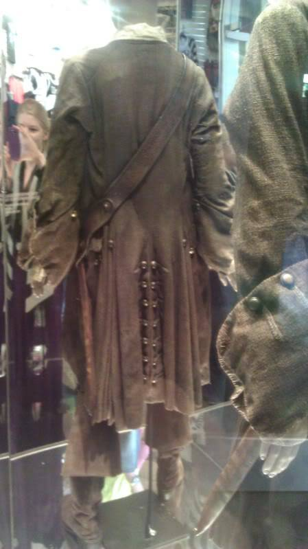 Jack Sparrow costume  on display at Hot Topic at Hollywood & Highland - Page 2 IMAG0085